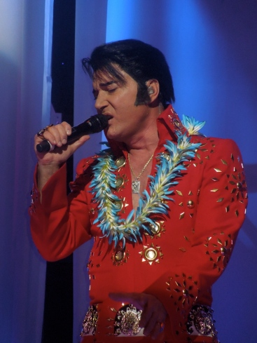 Elvis Impersonator Trent Carlini