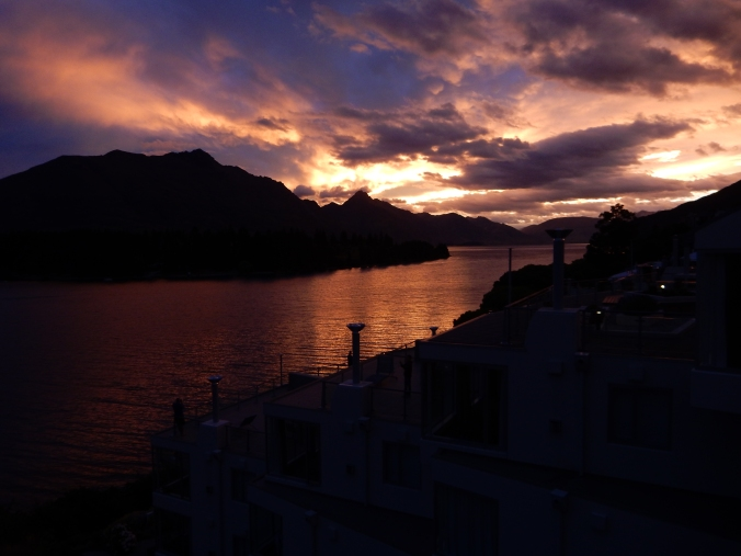 The proverbial sun setting on 2014 in Queenstown, NZ.